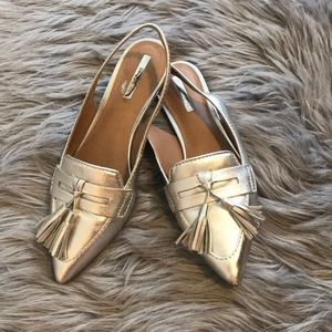Tahari pointed toe flats
